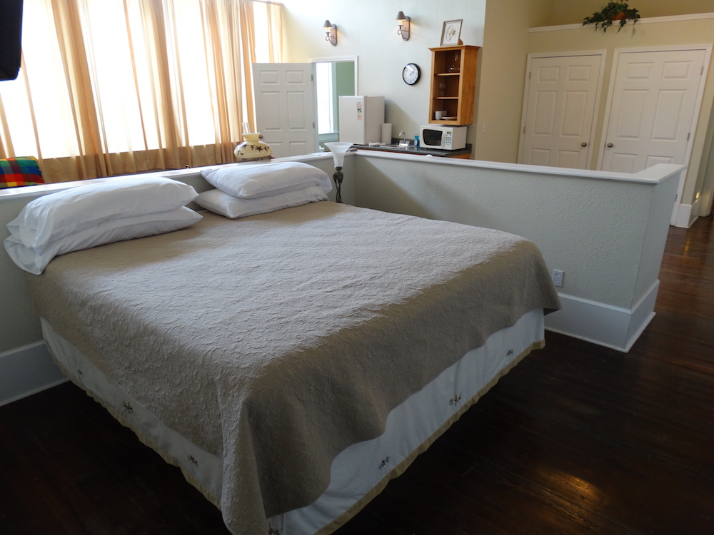 White Suite King Bed